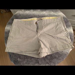 """3 1/2"""" khaki shorts with cuff"""